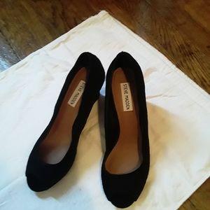 Steve Madden suede shoe wedge